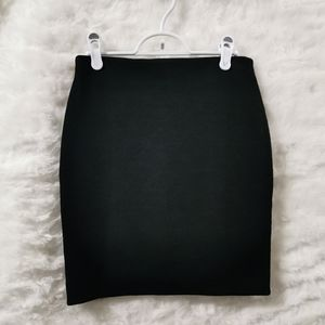 LOFT Textured Black skirt
